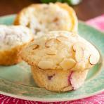 rhubarb almond muffins